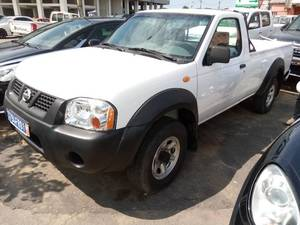 Nissan Hardbody simple Cabine